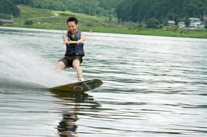 水の上を滑る感覚が最高に気持ち良いです♪
